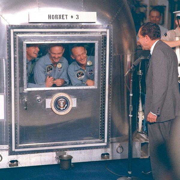 Apollo_11_crew_in_quarantine.jpeg