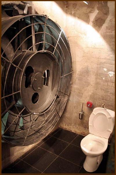 Toiletl.jpeg