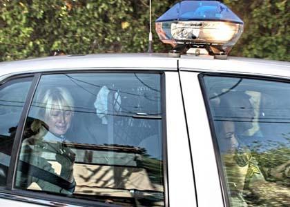 paris-hiltonpolice-car-crying.jpg