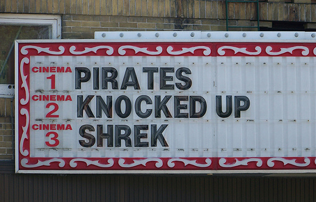 piratesknockedshrek.jpg