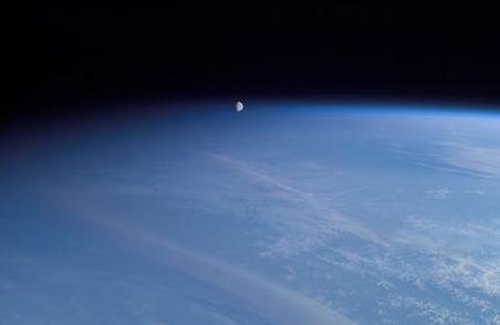 moonsetasflkdsal.jpg