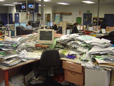 herald-messy-desk.jpg